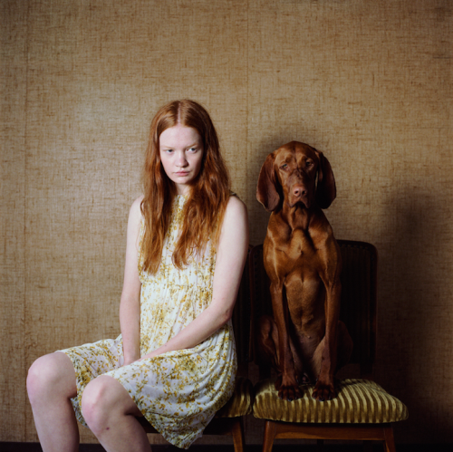 Hellen van Meene, Dog and Girls, 2012