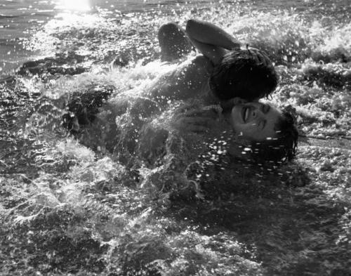 "Kurt Hutton,  ""Islak Tutku"" / ""Watery Passion"""