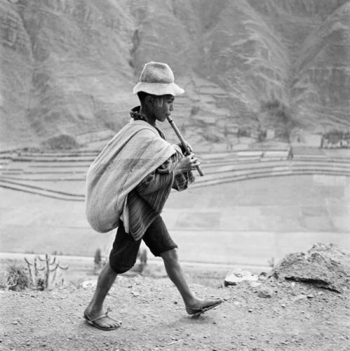 "Werner Bischof""Peru, 1954, May""On the road to Cuzco, near Pisac, in the Valle Sagrado of the Urubamba river."